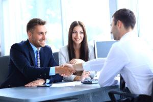 Индивидуальный подход к каждому клиенту в салоне