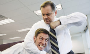 Работник ударил руководителя
